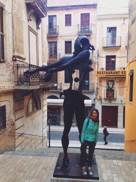 статуя дали фигерас