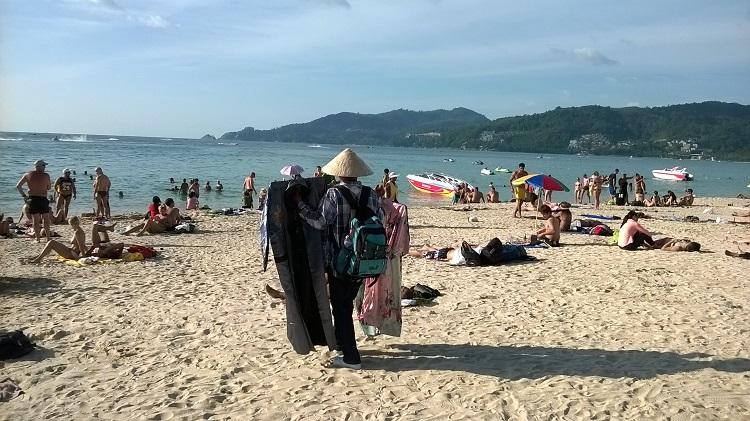 пляж патонг торговец