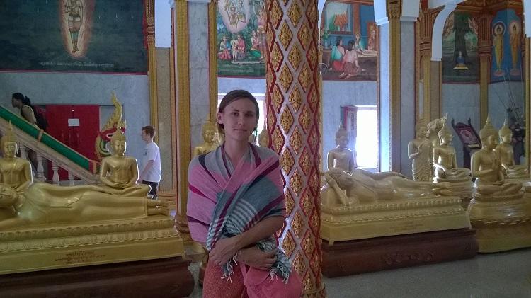ольга сизикова в буддистском храме
