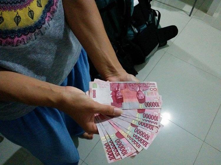 деньги индонезия